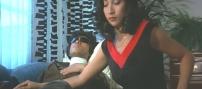 傷ついた鳴海を手当てしている美紗子