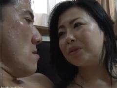 【義母婿相姦動画】「このことはこの場で忘れましょう」嫁の母親のムッチリ豊満な色白巨乳ボディに嵌りゆく義息子!
