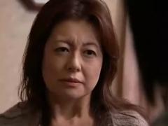 【母子相姦動画】幼●に性的被害を加えた息子が少年院から戻ってくると欲求を母親の熟体に向けた!卯月美雪