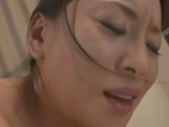 【母子相姦動画】徐々に息子と日常的にセックスするのが当然となってしまい乱れまくる色白美肌の巨乳熟女!