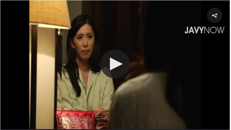 【母子相姦動画】巨乳ボディにムラムラして寝込みにチ●ポ突っ込んだ息子と秘部を濡らした母親!桐島綾子