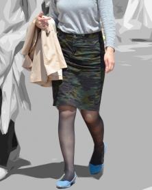 迷彩タイトスカートと黒サポートストッキング