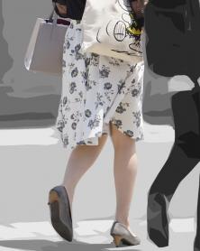 ひらひら花柄膝丈スカート