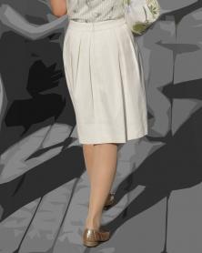ホワイトスカートにベージュのメッシュタイツ