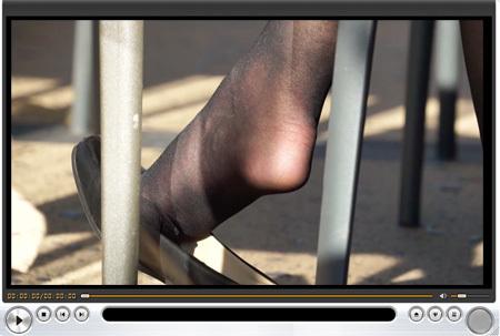 ■ ■vol295-ザラザラ素材の黒ストを履くミニスカ舶来お姉さん(画像&動画)