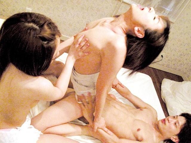 【母息子の近視相関】妻の母に誘惑されてまさかの妻と母と3Pセックスになってしまった・・。 小池絵美子 姫野まみ