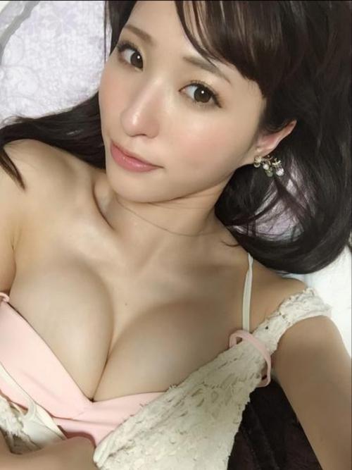 AV女優 おっぱいの谷間 Twitter画像 02