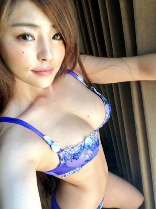 AV女優 おっぱいの谷間 Twitter画像 14