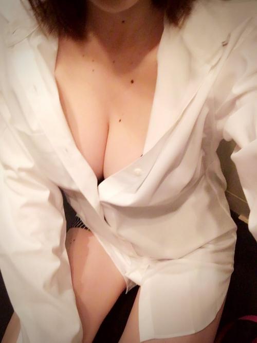 AV女優 おっぱいの谷間 Twitter画像 41