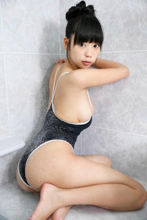グラビアアイドル 水着お尻 08
