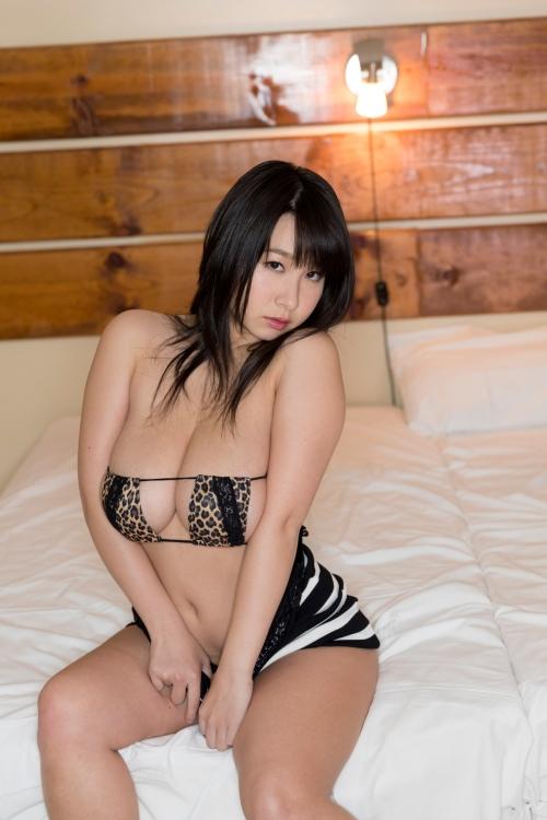 桐山瑠衣 『もっとオトナるい』 09