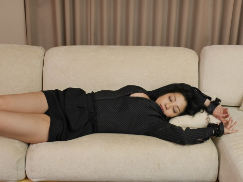 小向美奈子 『花弁と大蛇』  06