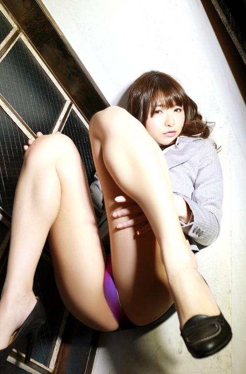 M字開脚 02
