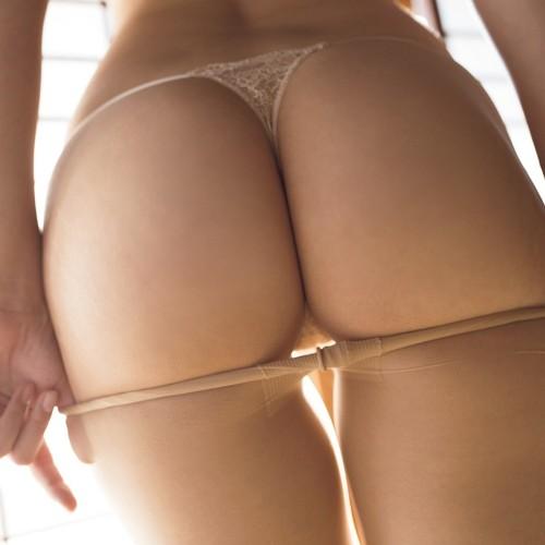 水野朝陽 巨尻100cm!日本一の痴女が魅せる美尻ヘアヌードグラビア