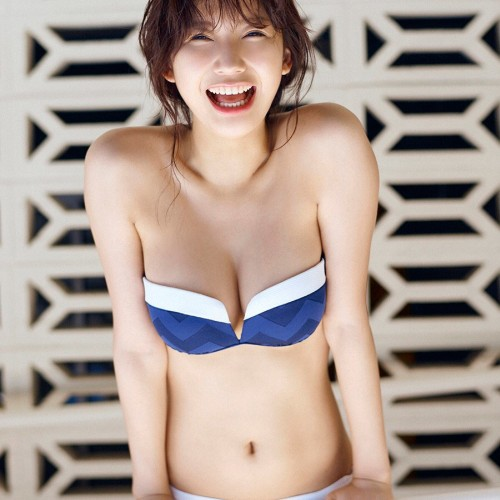 小倉優香(18)またポロリ画像が見つかる…ニプレス丸見え
