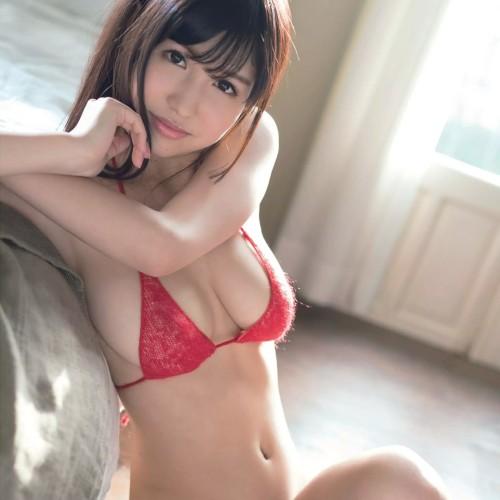 桜空もも 『はにかみGカップ』細身GカップのモデルがアイポケよりAV新人☆