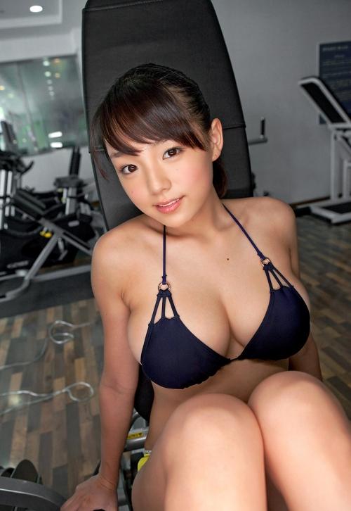 篠崎愛 57