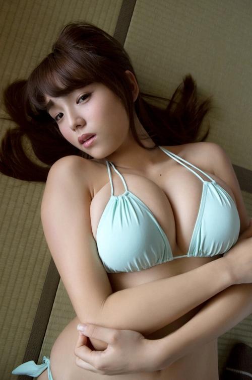 篠崎愛 66