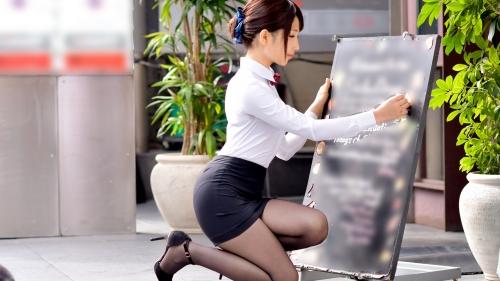 MGS動画:プレステージプレミアム 『100%完全ガチ!噂の素人激カワ看板娘にアポなし取材⇒AV交渉! target.8』 白石雪愛 300MIUM-010 03