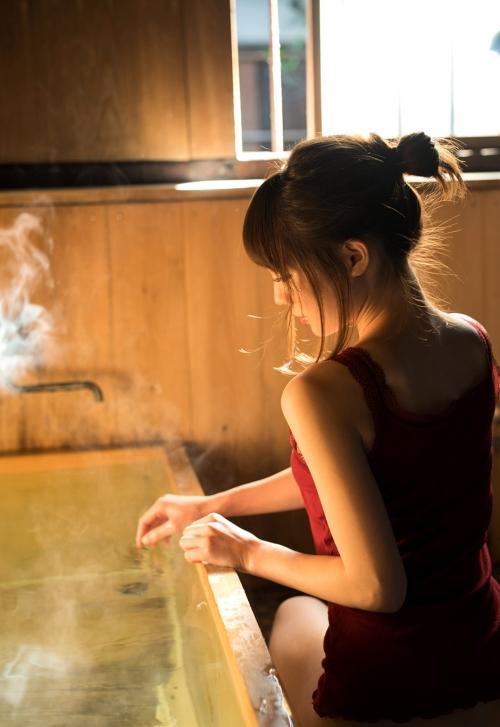鈴村あいり お風呂 01
