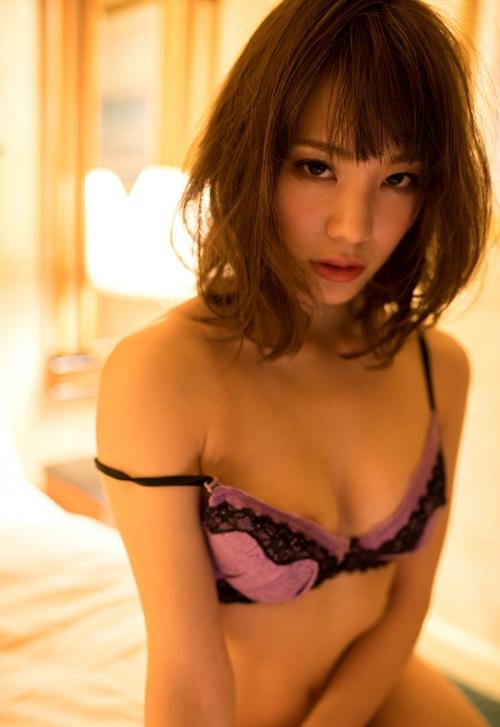 鈴村あいり ホテルでセックス 31