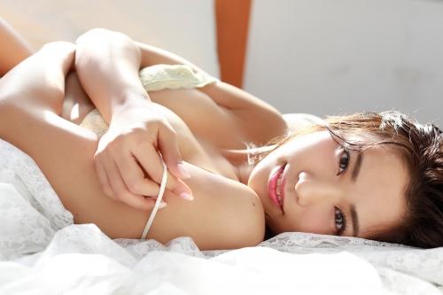 安枝瞳 18