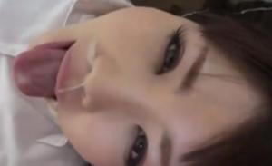 【無修正】 鼻に精〇が入り込んでますよ!! ロリ美少女のエロ過ぎる舐め回しフェラ