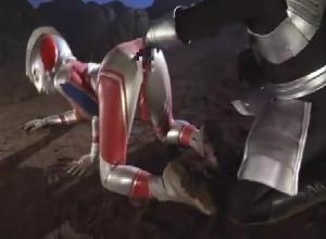 カラータイマーが赤に・・・絶体絶命!! ウルトラウーマンが悪の〇〇星人に犯される