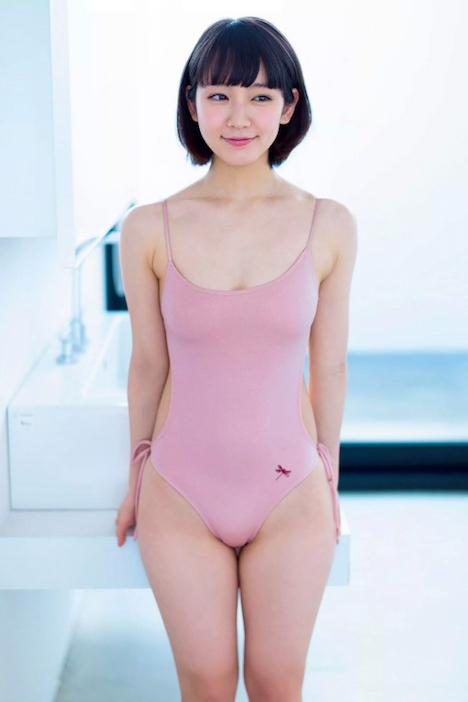 【画像】吉岡里帆ちゃん(女優)ってなんでこんなにエッチな水着着させられてるん?