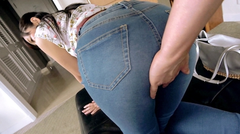 【ARA】普段はセレクトショップで働く美人店員ゆきちゃんはお尻をプリプリさせ参上! ゆき 25歳 セレクトショップ店員 4