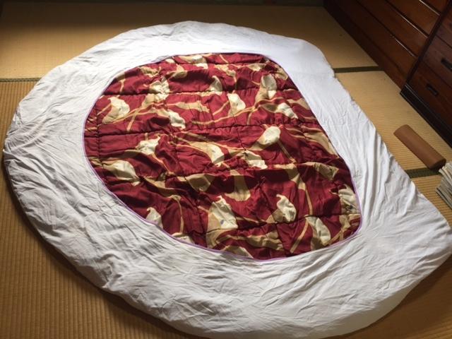 ラブホの円形掛け布団2