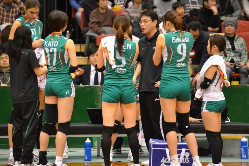 valley-ball-josi-muchimuchi-futomomo-puriketu-osiri-ero-01.jpg