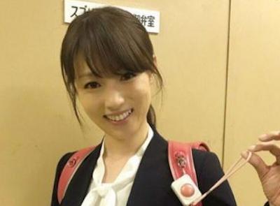 【エンタメ画像】《画像》深田恭子のお●ぱいがさらに成長!!ランドセルの肩ベルトに挟まれて胸がバイ~ン!!