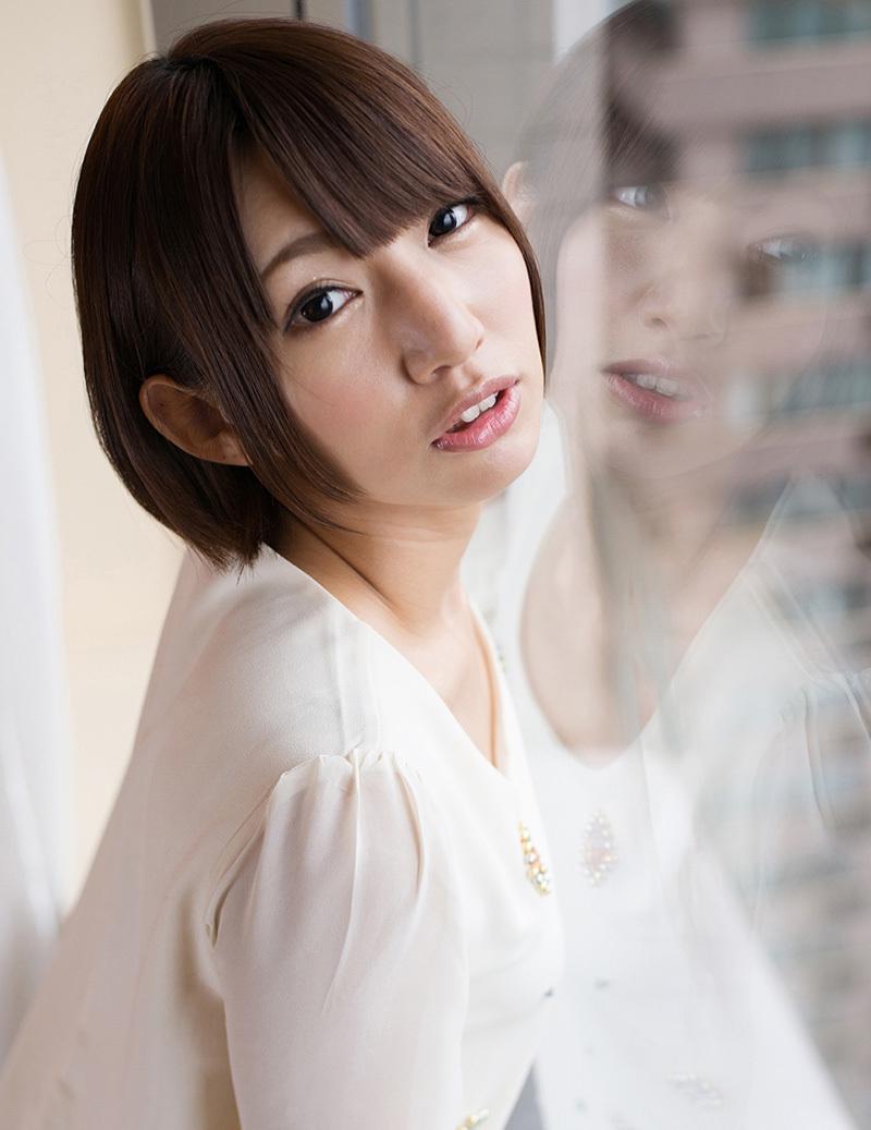 【No.33072】 綺麗なお姉さん / 乙葉ななせ
