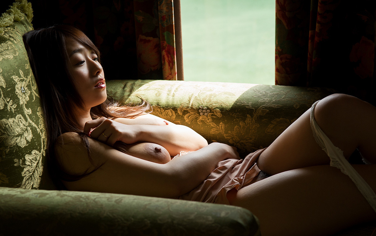 【No.33935】 Nude / 白石茉莉奈