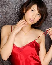 秋山祥子のグラビア写真集