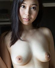 小川桃果のグラビア写真集