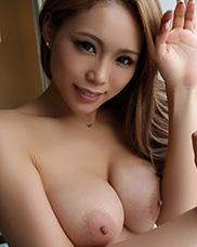 藤本紫媛のグラビア写真集