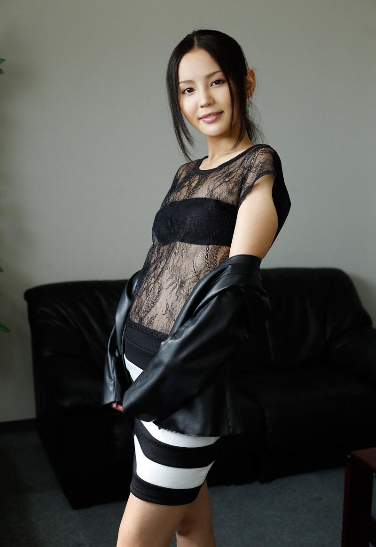 【No.35337】 綺麗なお姉さん / 丘咲エミリ
