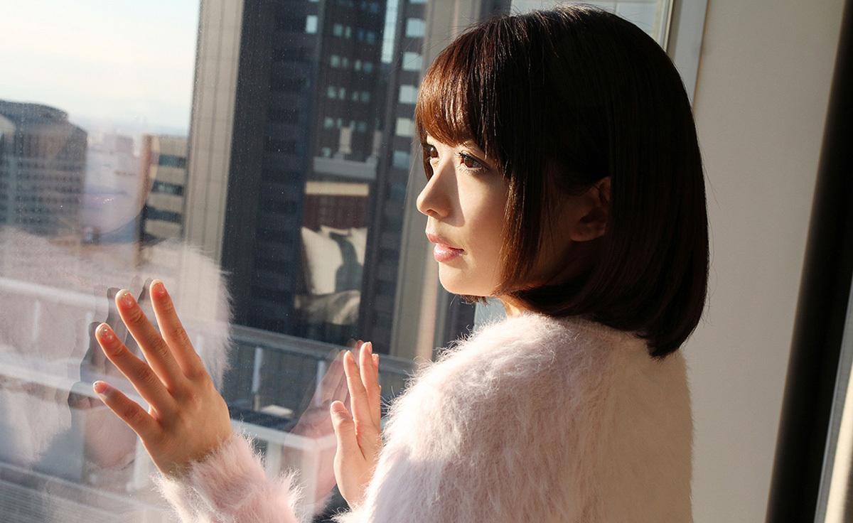 (No.35658) 横顔 / 麻里梨夏
