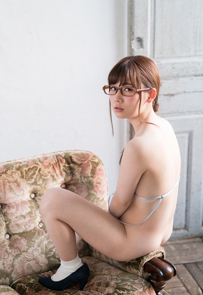(No.35736) 背中 / 明里つむぎ