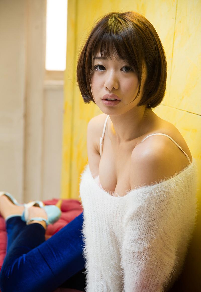 (No.35823) 谷間 / 川上奈々美