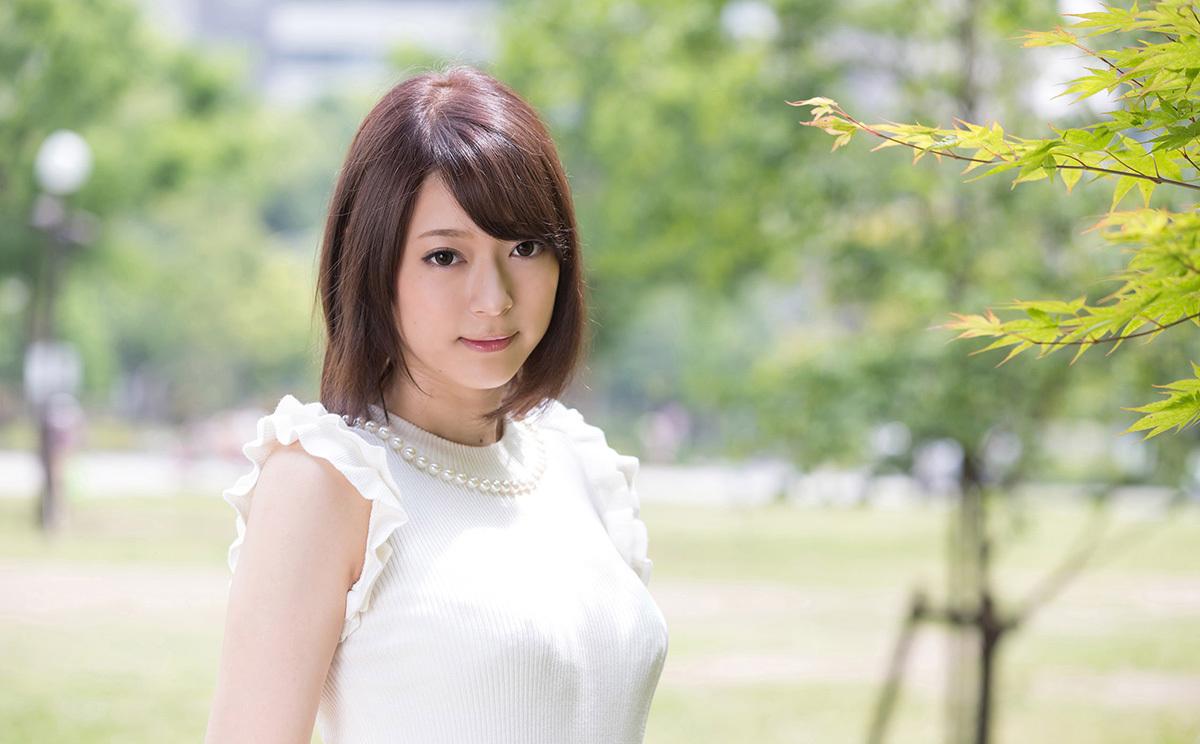 【No.35861】 綺麗なお姉さん / 司ミコト