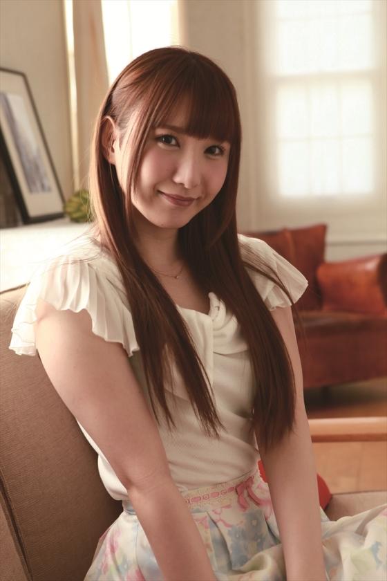 地下アイドルをやってた上村麗美がAV転向→星咲伶美としてデビュー&森林原人とセックルしまくるwwww