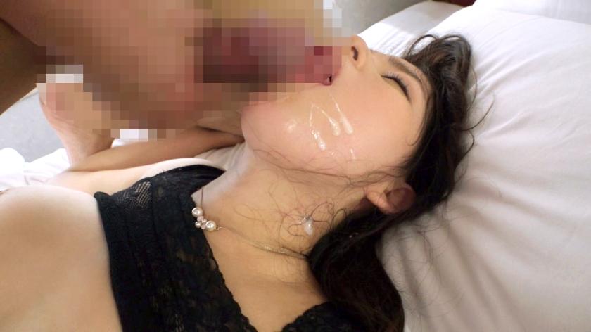 ワンピースの胸元からおっぱい溢れてるこの三十路女とセックス出来ないやつって居る?