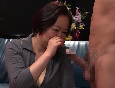 うぶな豊満巨乳おばさんが初めてのアダルト撮影での性交中の動画を無料で見るomannko無料裏ビデオagesag3