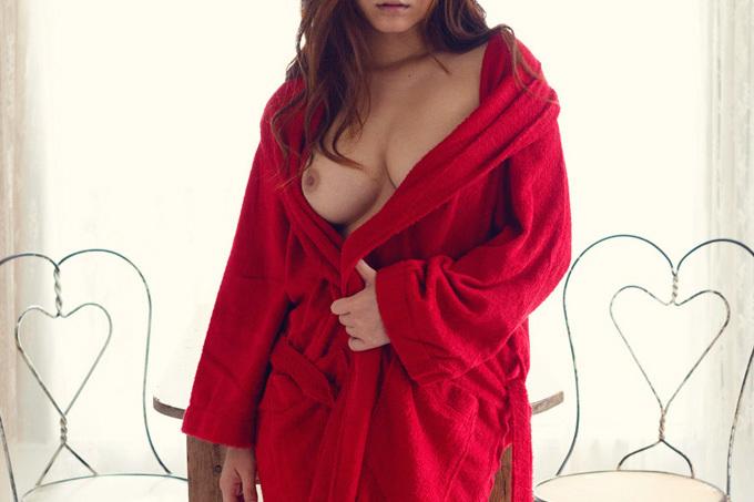 風呂上がり…バスローブ姿のお姉さんのエロ画像