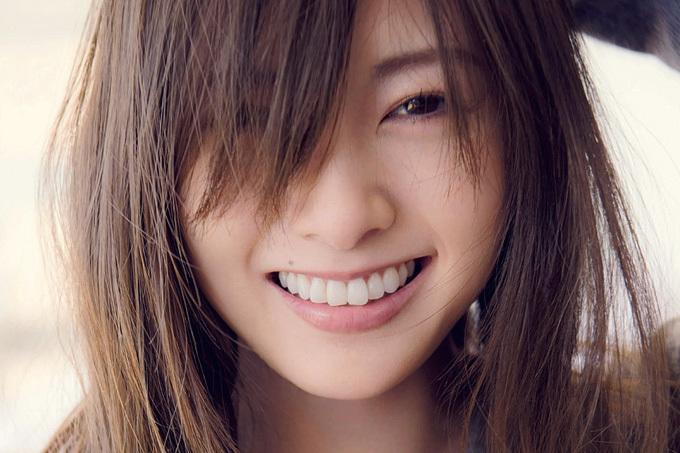 白石麻衣写真集が今世紀最大のヒット☆累計発行は21萬☆