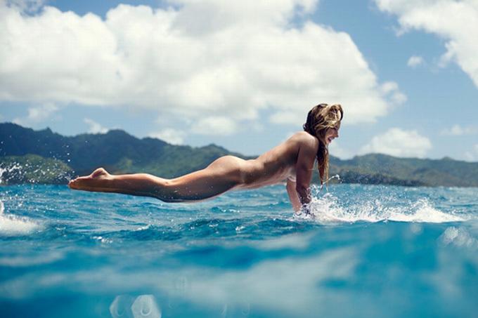全裸でサーフィン…ヌードサーファーのエロ画像