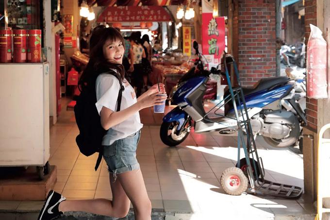 入山杏奈 かわいい子には旅をさせよ…台湾に。